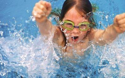 Cẩn thận bị viêm tai khi đi bơi