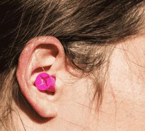nút bịt tai cho nữ giới